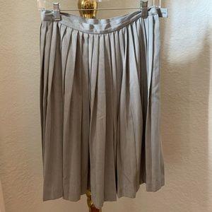 Gray pleated Skirt